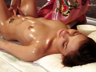 Presage massage be advantageous to beautiful Russian virgin Lena Piterskaja